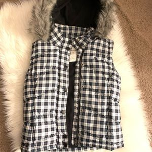 Aeropostal chequered vest with fur